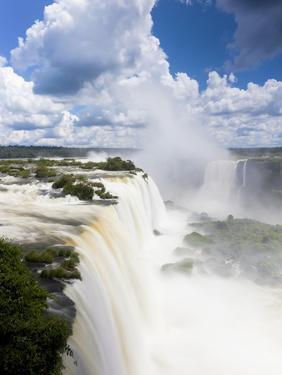 Iguacu (Iguazu) Falls, Cataratta Foz Do Iguacu, Parana, Iguazu National Park, Brazil by Peter Adams