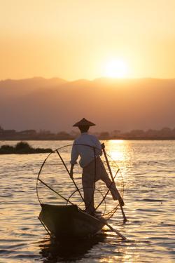 Intha Fisherman, Shan State, Inle Lake, Myanmar (Burma) by Peter Adams