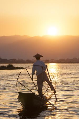 Intha Fisherman, Shan State, Inle Lake, Myanmar (Burma) by Peter Adams
