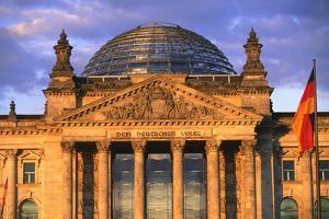 Reichstag Building by Peter Adams