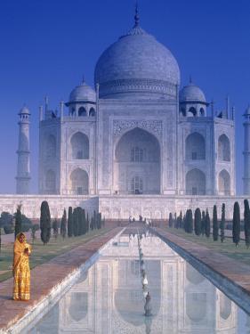 Taj Mahal, Agra, India by Peter Adams