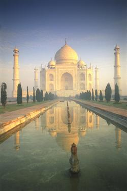 Taj Mahal by Peter Adams