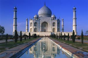 Taj Mahal by Peter Adams