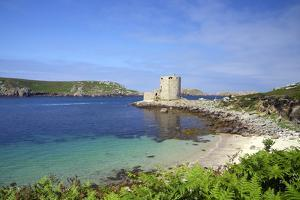 Cromwell's Castle in Summer Sunshine, Isle of Tresco, Isles of Scilly, United Kingdom, Europe by Peter Barritt