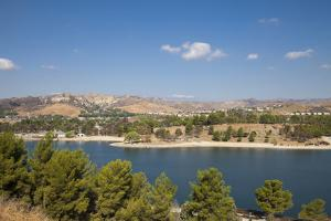 Castaic Lagoon, Castaic Lake Recreation Area, Los Angeles, California by Peter Bennett