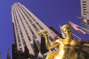 Prometheus, Rockefeller Center, Manhattan, New York, USA by Peter Bennett