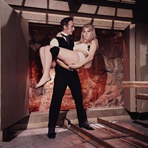 Peter Cushing, Susan Denberg, Frankenstein Created Woman, 1967