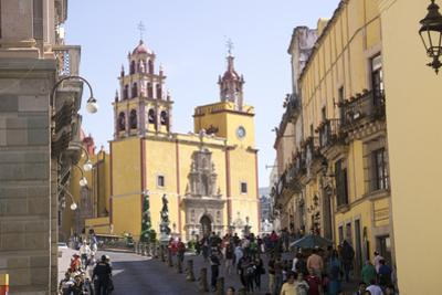 Basilica Collegiata de Nuestra Signora, Guanajuato, UNESCO World Heritage Site, Mexico, North Ameri by Peter Groenendijk