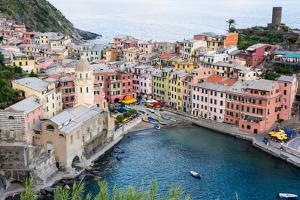 High Angle View of Vernazza, Cinque Terre, UNESCO World Heritage Site, Liguria, Italy, Europe by Peter Groenendijk