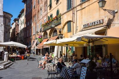 Picturesque Street in Lucca, Tuscany, Italy, Europe