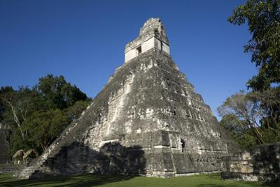 Tikal temple 1, Pre-Columbian Maya civilisation, Tikal, UNESCO World Heritage Site, Guatemala by Peter Groenendijk