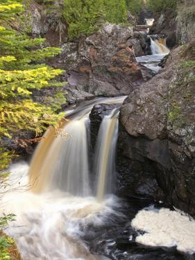Cascade River State Park, Lutsen, Minnesota, USA by Peter Hawkins