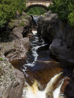 Temperance River State Park, Schroeder, Minnesota, USA by Peter Hawkins