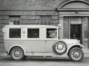 Mab Ambulance, London by Peter Higginbotham