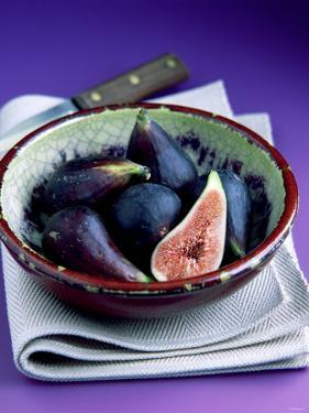 Fresh Figs in a China Bowl on a Cloth, Knife by Peter Howard Smith