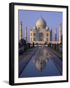 Taj Mahal, Agra, Uttar Pradesh, India by Peter Oxford