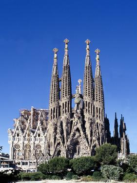 Sagrada Familia Barcelona by Peter Phipp