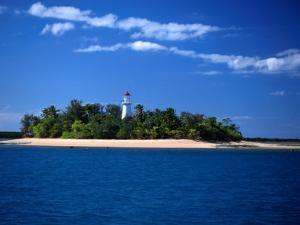 Low Isles on Great Barrier Reef, Port Douglas, Australia by Peter Ptschelinzew