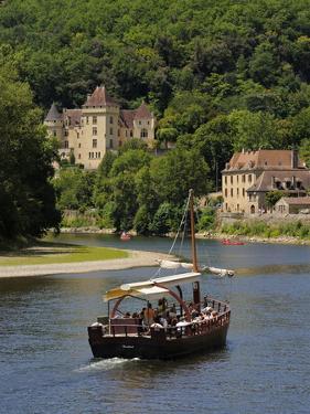 Caberre Boat on the River Dordogne, La Roque-Gageac, Dordogne, France, Europe by Peter Richardson