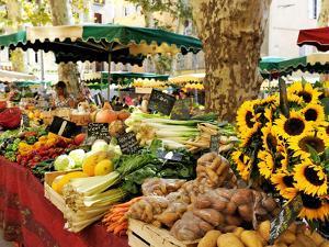 Fruit and Vegetable Market, Aix-En-Provence, Bouches-Du-Rhone, Provence, France, Europe by Peter Richardson