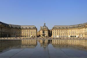 Le Miroir d'Eau (Mirror of Water), Place de la Bourse, Bordeaux, UNESCO Site, Gironde, France by Peter Richardson
