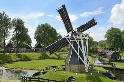 Traditional Dutch Windmill, Zuiderzee Open Air Museum, Lake Ijssel by Peter Richardson