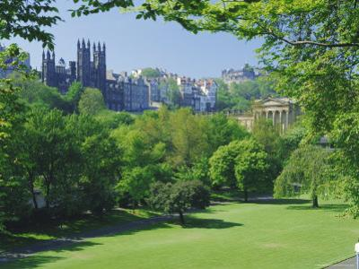 National Gallery and Princes Street Gardens, Edinburgh, Lothian, Scotland, UK, Europe by Peter Scholey