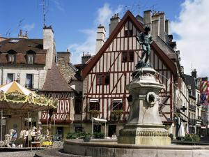Place Francois Rude Bareuzai, Dijon, Bourgogne (Burgundy), France by Peter Scholey