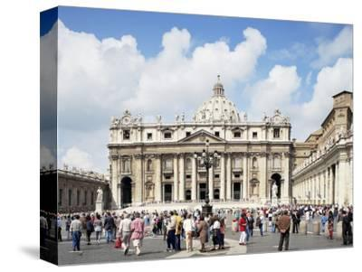 St. Peter's Square, Vatican, Rome, Lazio, Italy by Peter Scholey