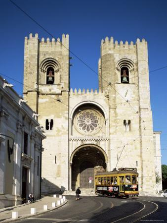 The Romanesque Style Se (Cathedral), Lisbon, Portugal
