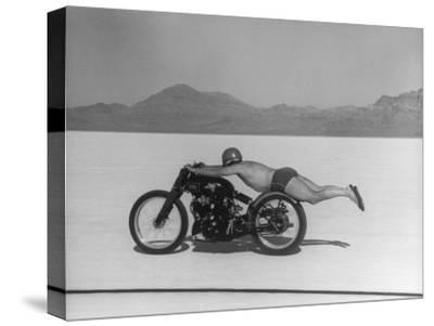 Roland Free Breaking World's Speed Record on Bonneville Salt Flats While Laying on His Bike