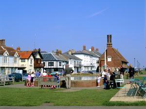 Aldeburgh, Suffolk by Peter Thompson