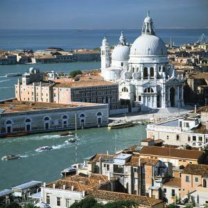 Church of Santa Maria Della Salute, Venice, Italy by Peter Thompson