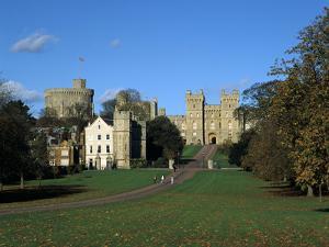 Long Walk, Windsor Castle, Berkshire by Peter Thompson