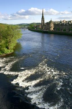 River Tay and Perth, Scotland by Peter Thompson