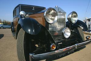 Rolls-Royce Car by Peter Thompson