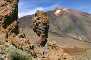 Roques Chinchado, Parque Nacional Del Teide, Tenerife, Canary Islands, 2007 by Peter Thompson