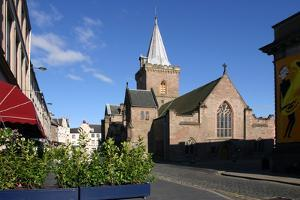St Johns Kirk, Perth, Scotland by Peter Thompson