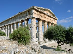 Temple, Segesta, Sicily, Italy by Peter Thompson