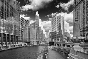 USA, ILlinois, Chicago. Michigan Street Bridge over the River by Petr Bednarik