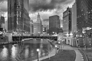 USA, ILlinois, Chicago, Wabash Avenue Bridge and Chicago Downtown by Petr Bednarik