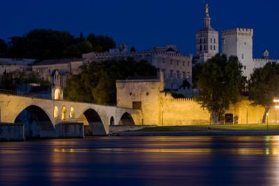 Avignon at Night, Provence, France by phbcz