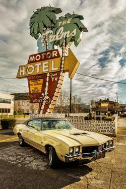 Vintage Car II by Philip Clayton-thompson