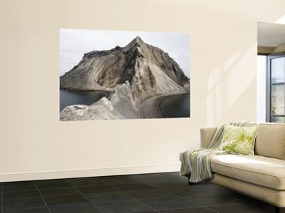 Poluostov Vladimira Cinder Cone on Flank of Alaid Volcano, Atlasova Island