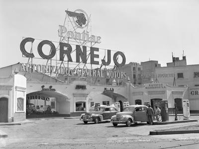 Authorized Pontiac Service Station in Mexico City by Philip Gendreau