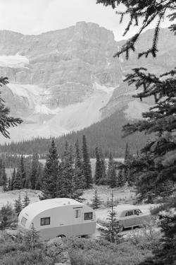 Crowfoot Glacier from Icefields Parkway by Philip Gendreau