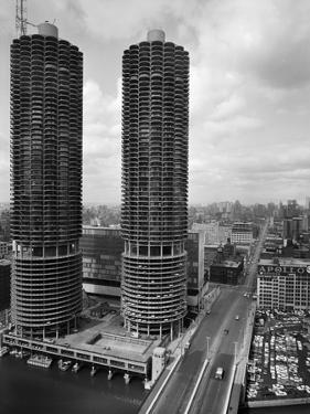 Facade of Marina City Towers by Philip Gendreau