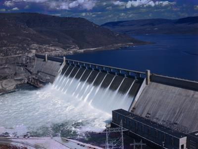 Grand Coulee Dam by Philip Gendreau