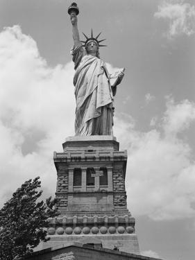 Upper View of Statue of Liberty by Philip Gendreau