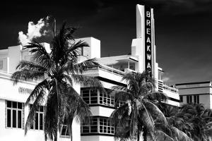 Art Deco Architecture of Miami Beach - The Esplendor Hotel Breakwater South Beach - Ocean Drive by Philippe Hugonnard